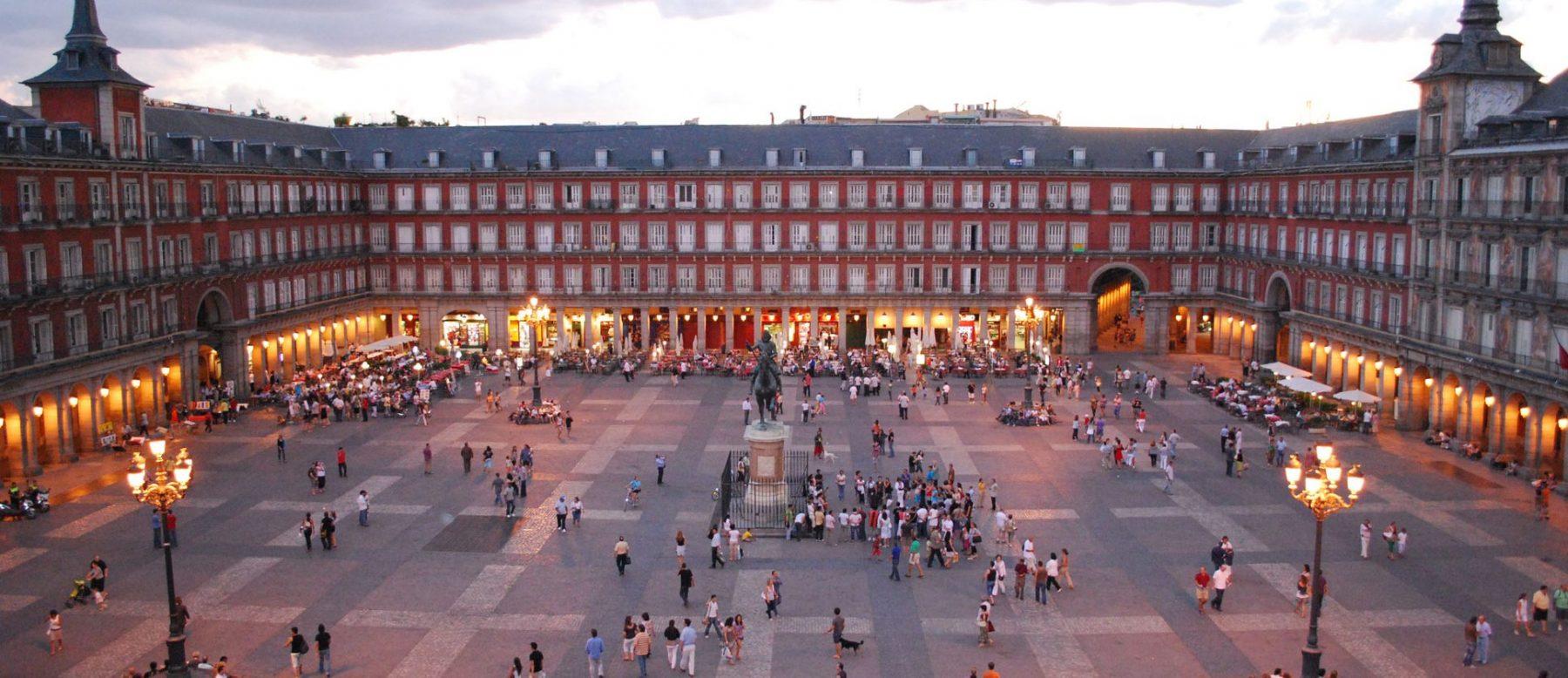 Plaza_Mayor_de_Madrid-e1519728258293