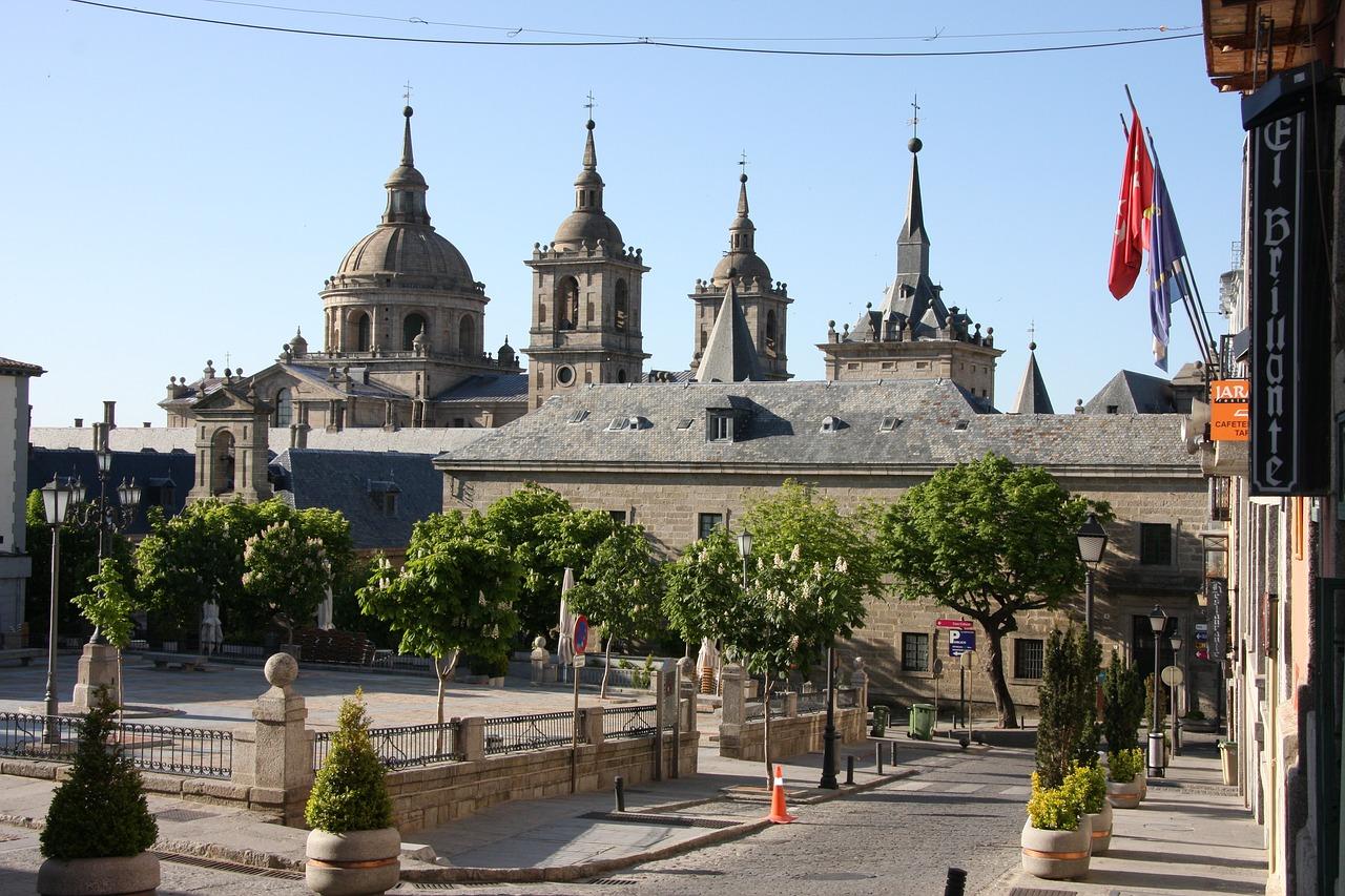 Visitar-San-Lorenzo-del-Escorial-y-su-Monasterio